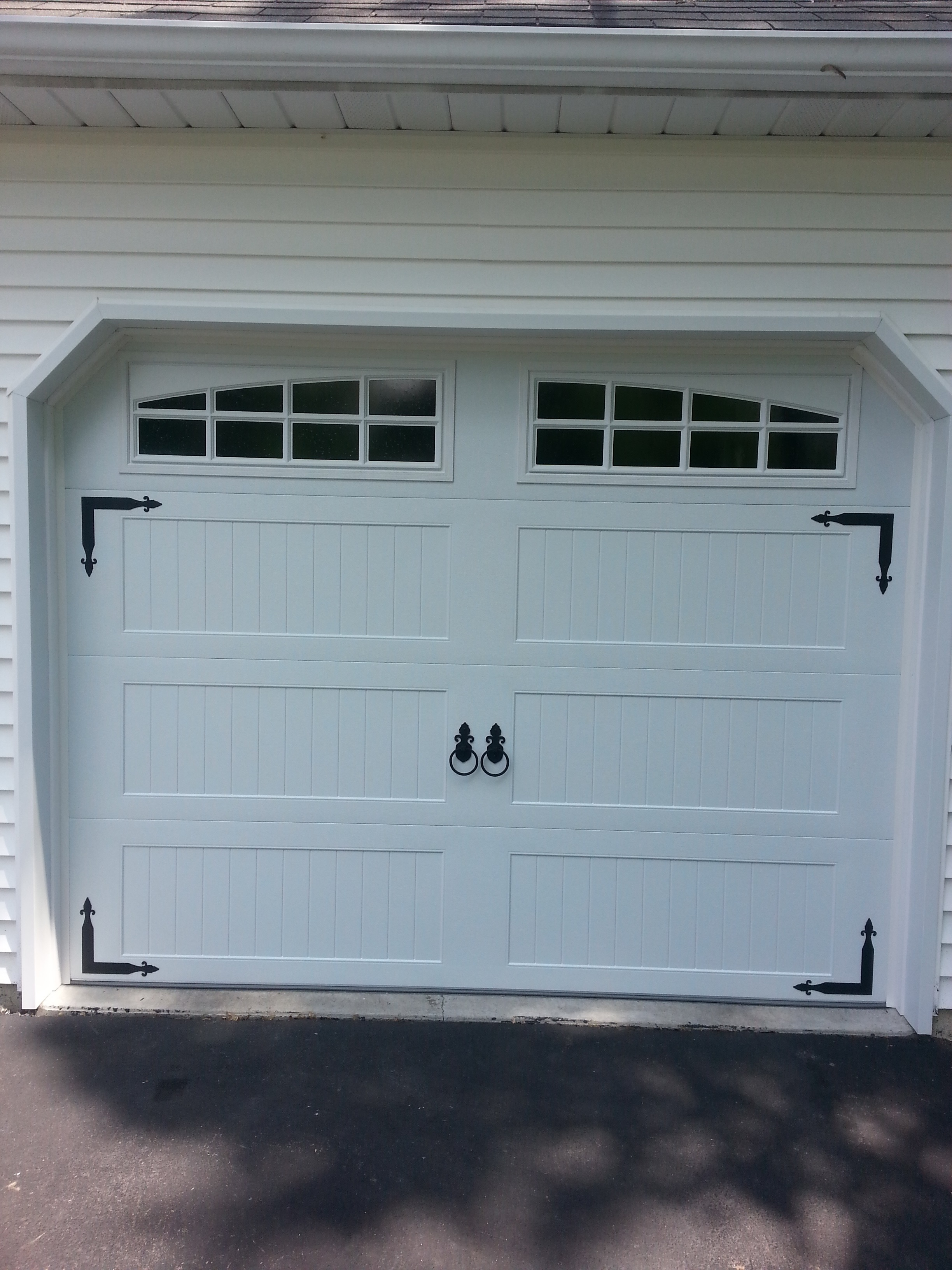 3264 #546977 Model 5983 Long Paanel Stamped With Barcelona Deco Hardware picture/photo Chi Residential Garage Doors 36292448